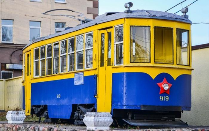События дня: куда вывозят донбасский уголь, смерть Глаголевой и ретро-трамвай для киевлян