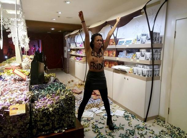 События дня: рост насилия на Донбассе, что творится в Крыму и кондитерский дебош от Femen