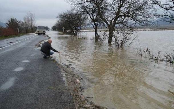 События дня: паводок на Закарпатье, рискованный бюджет Украины и ядерные потери в Крыму