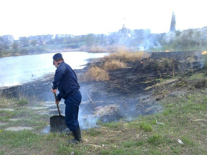 В Алчевске у храма случился пожар